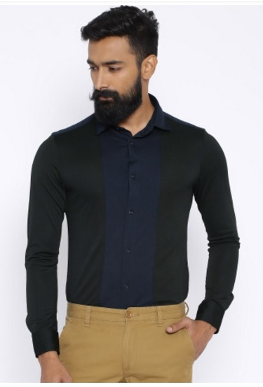 How to tuck in your shirt?