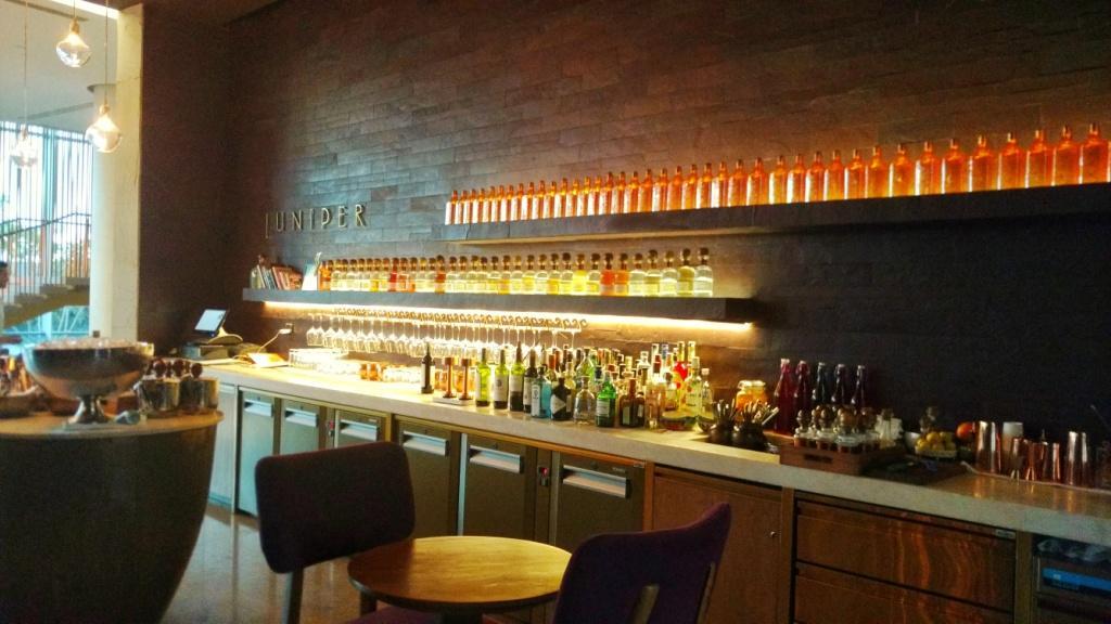 Delhi's most fabulous Gin Bar: Juniper Bar, Andaz Delhi